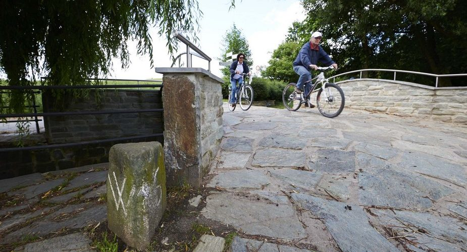 apfelweinbrücke steinbach
